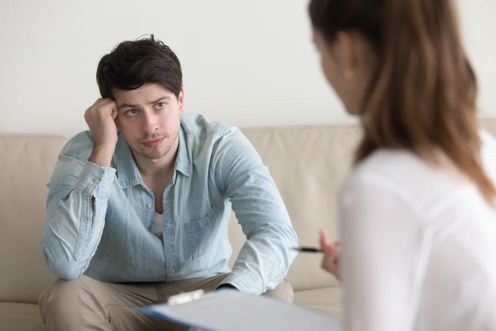 sesion de coaching y liderazgo personal para mejorar relaciones
